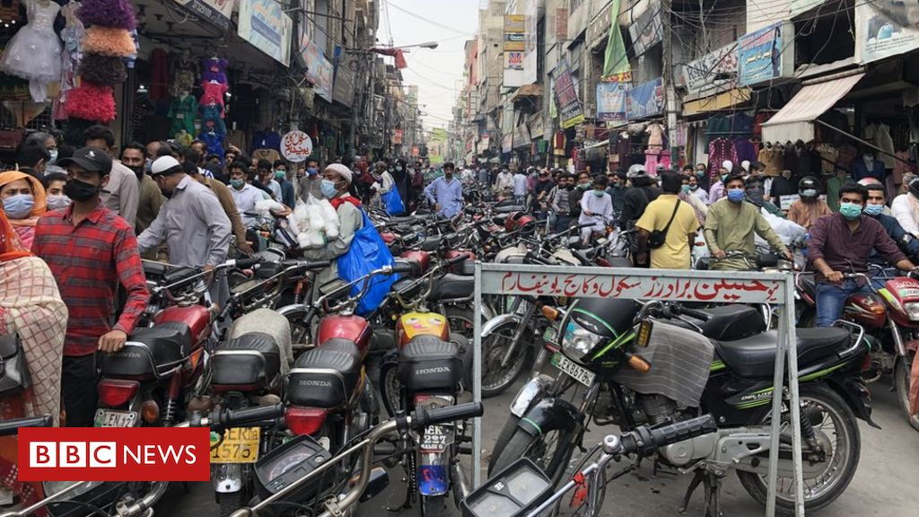 pakistan-prepares-for-eid,-rattled-by-india's-second-wave