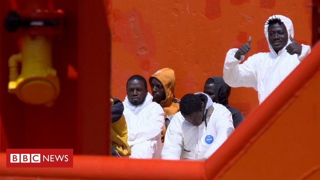 lampedusa:-italy's-gateway-to-europe-struggles-with-migrant-influx