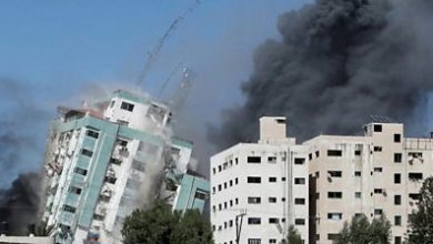 Photo of Gaza tower containing media offices collapses after Israeli strike