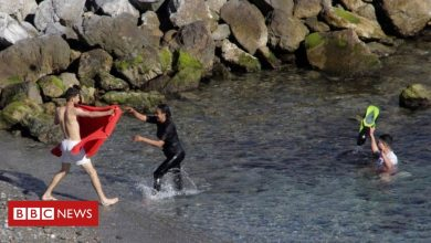 Photo of Migrants reach Spain's Ceuta enclave in record numbers