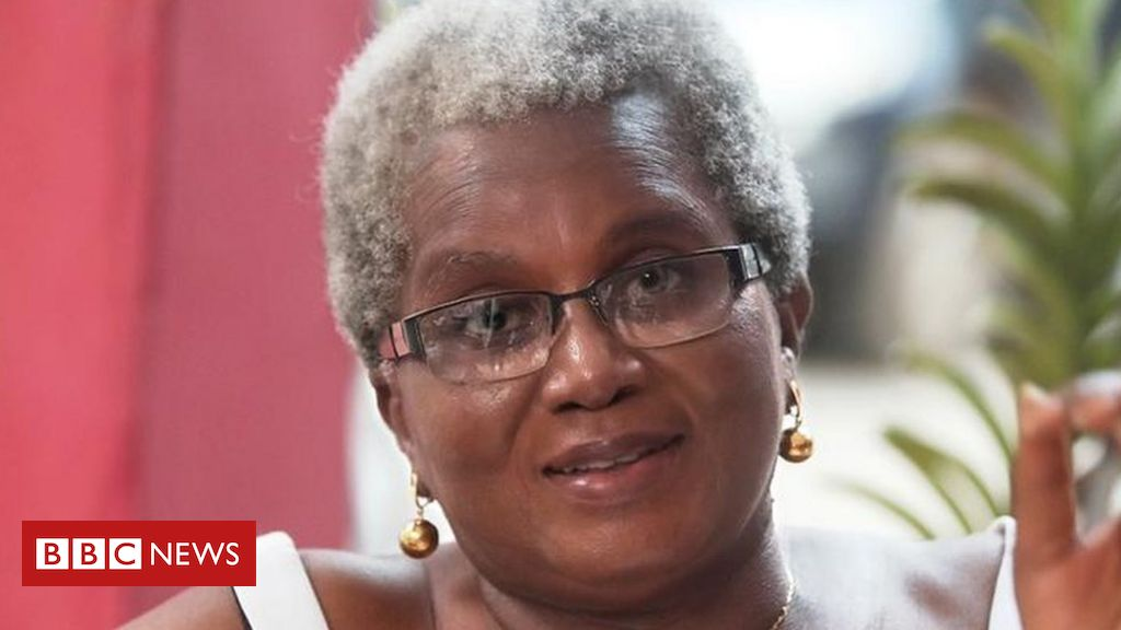 letter-from-africa:-the-woman-bucking-the-trend-in-ghana-to-embrace-her-grey-hair