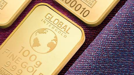gold-edges-to-4-month-high-amid-inflation-concerns-&-crypto-crash