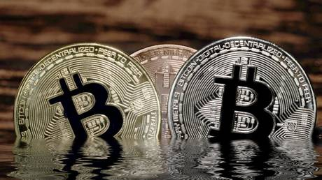 bitcoin-tumbles-below-$36,000-as-crypto-markets-extend-losses-after-tumultuous-week