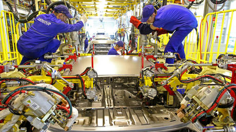 russia's-industrial-production-surges-over-7%-in-april