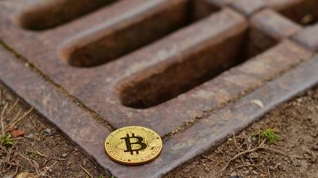 bitcoin-headed-for-second-largest-monthly-drop-on-record