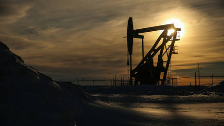 oil-slips-from-2-year-peak-on-prospect-of-higher-iranian-exports-&-opec+-discipline
