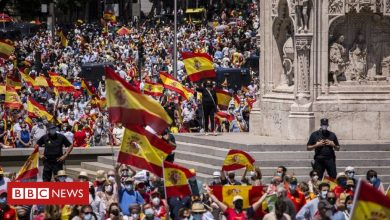 Photo of Madrid protests: Thousands rally against Catalan pardons