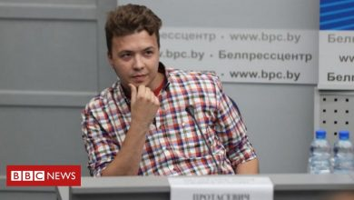 Photo of Belarus parades detained journalist Protasevich at media event