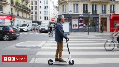 Photo of Paris police search for two e-scooter riders after pedestrian killed