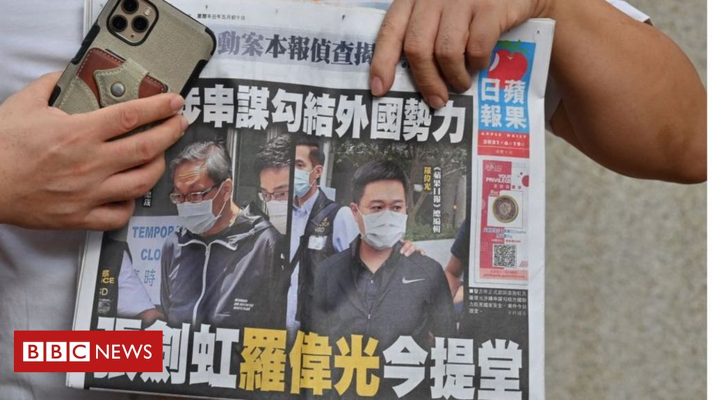 apple-daily:-hk-pro-democracy-paper-could-'shut-within-days',-says-adviser