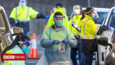 Photo of Outbreaks emerge across Australia in 'new phase' of pandemic