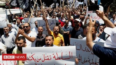Photo of Palestinian protests: Crowds clash with police after death of activist