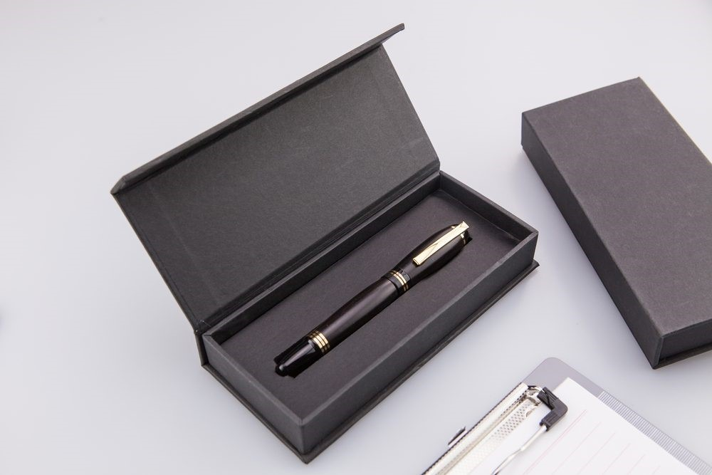 custom-boxes-zone-uses-robust-material-for-your-custom-pen-boxes-to-secure-your-pens