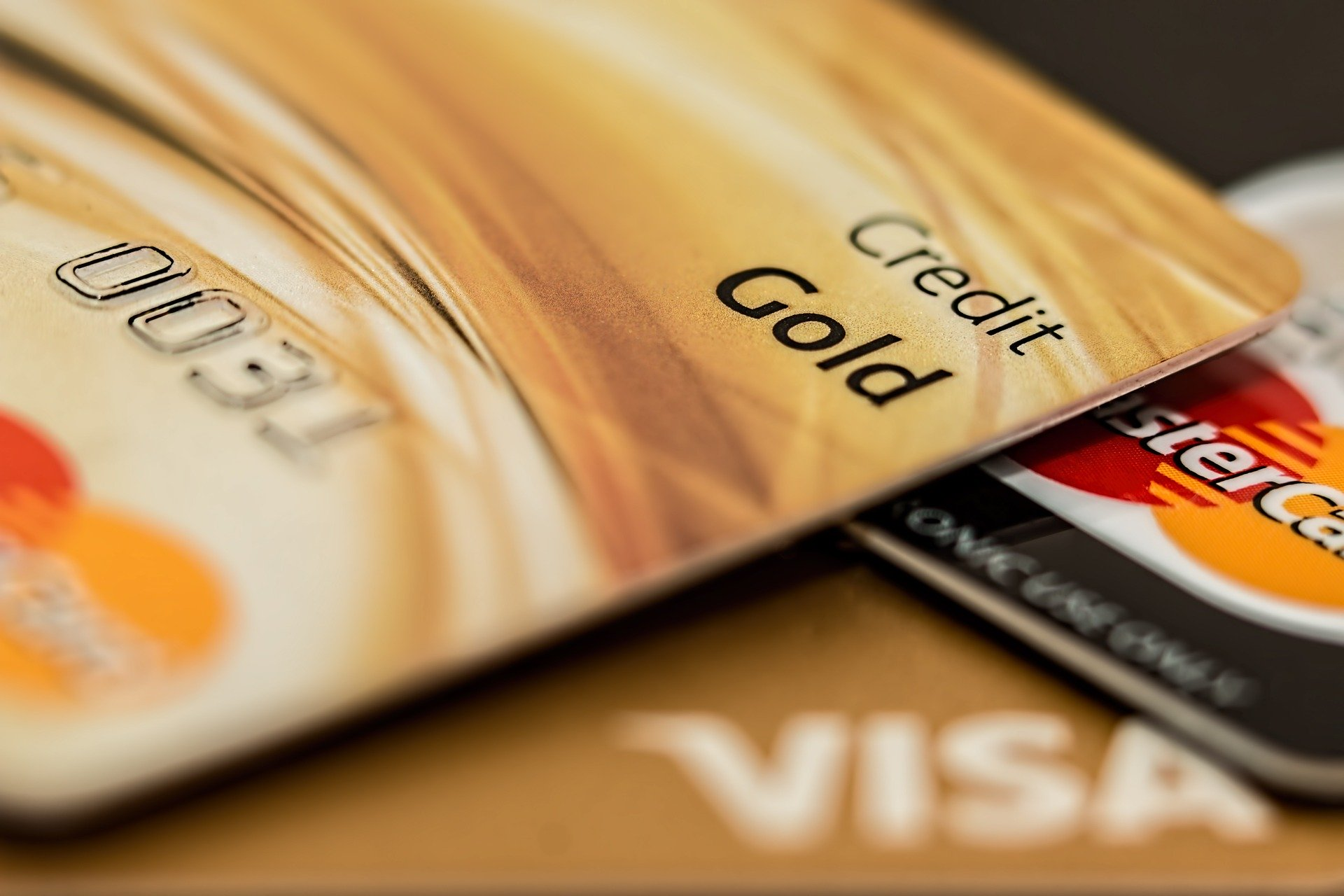 best-capital-one-credit-cards-to-raise-credit-score
