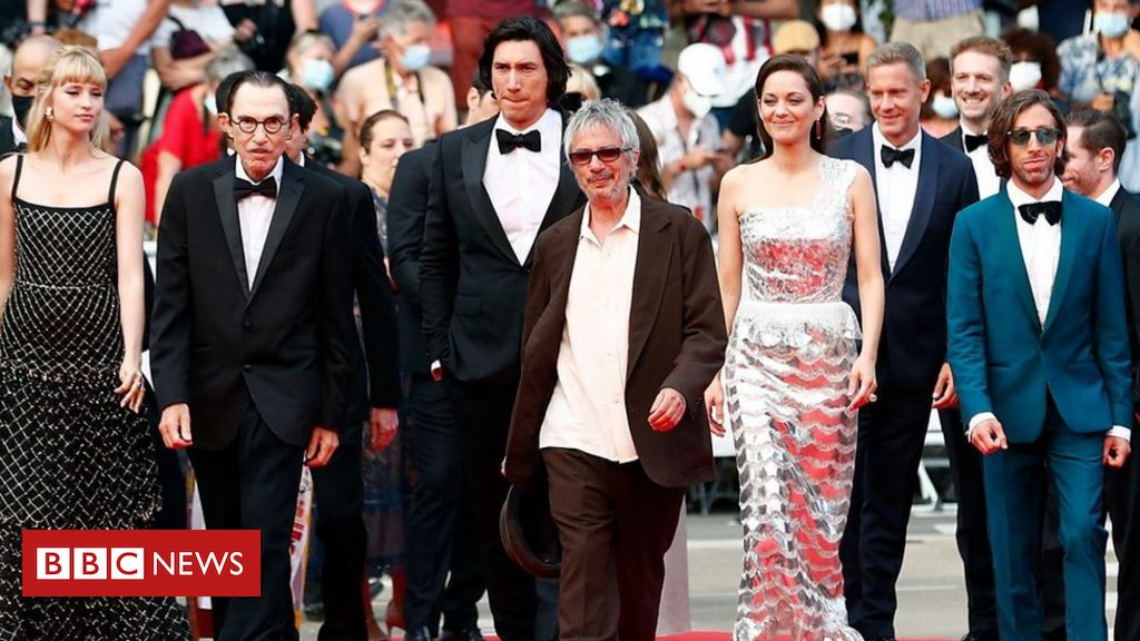 cannes-2021:-film-stars-without-masks-on-cannes-red-carpet