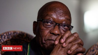 Photo of Jacob Zuma: South Africa's former president hands himself over to police