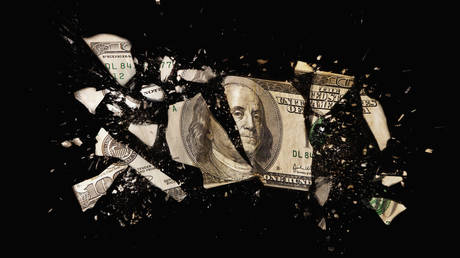 russia's-sovereign-wealth-fund-cuts-us-dollar-reserves-to-zero