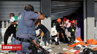 Photo of South Africa Zuma riots: Death toll mounts amid looting