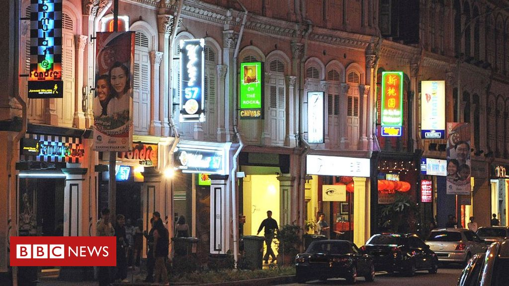 singapore-sees-cases-spike-in-large-karaoke-lounge-cluster
