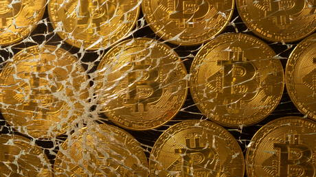 bitcoin-plunges-below-$30,000-amid-broader-cryptocurrency-market-sell-off