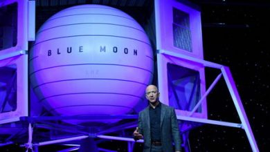 Photo of Jeff Bezos offers NASA $2 billion to get moon mission contract he lost to Elon Musk