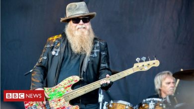 Photo of Dusty Hill: ZZ Top bassist dies aged 72
