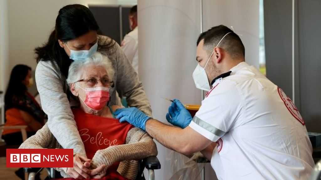 coronavirus:-israel-to-give-third-jab-to-people-aged-over-60