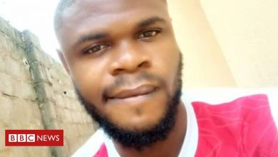 Photo of Nigerian student shocked to see friend's body in anatomy class