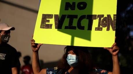as-us-eviction-moratorium-expires,-will-millions-of-americans-be-thrown-out-of-their-homes?-rt's-boom-bust-wants-to-know