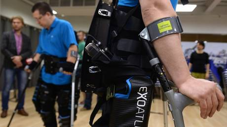russian-medical-exoskeletons-to-be-sold-in-the-us-to-help-people-walk-again
