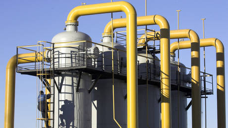 european-gas-prices-jump-to-record-highs-amid-drop-in-deliveries-from-russia
