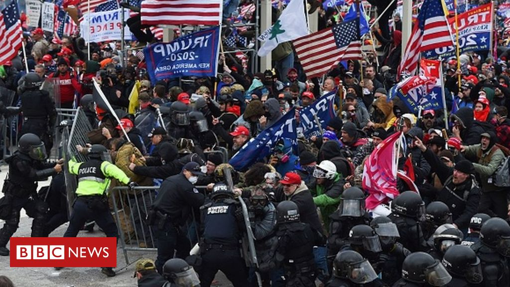 capitol-riot:-off-duty-seattle-police-officers-fired-over-assault