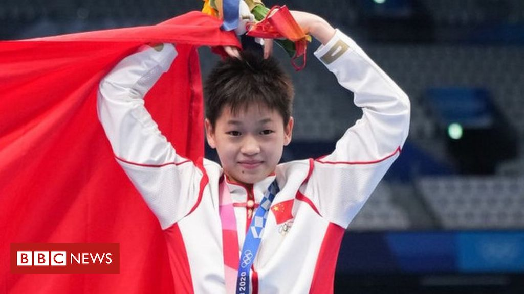 quan-hongchan:-chinese-teen-diving-star's-village-mobbed-by-fans