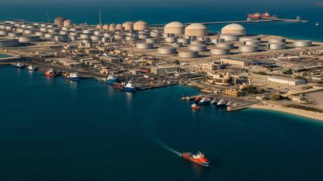 saudi-aramco-quarterly-profits-nearly-quadruple-amid-recovery-in-oil-and-chemical-prices