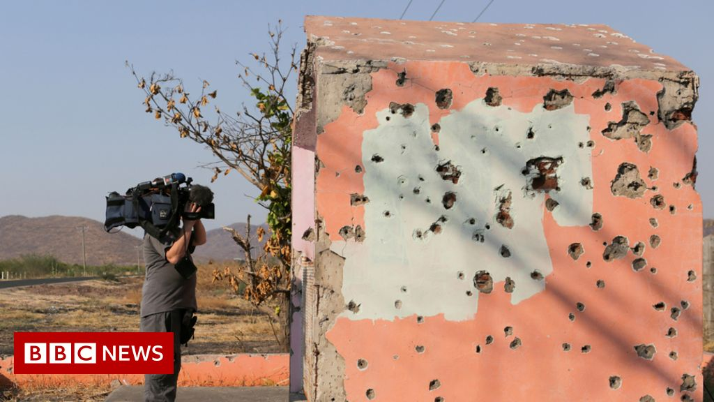 mexican-drug-cartel-threatens-to-kill-tv-reporter