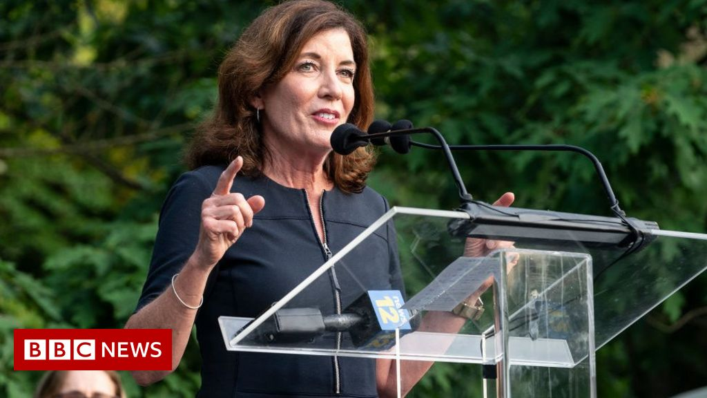 kathy-hochul:-who-is-new-york's-first-female-governor?