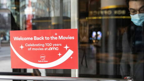 world's-largest-cinema-chain-may-start-accepting-bitcoin-as-payment-in-2021