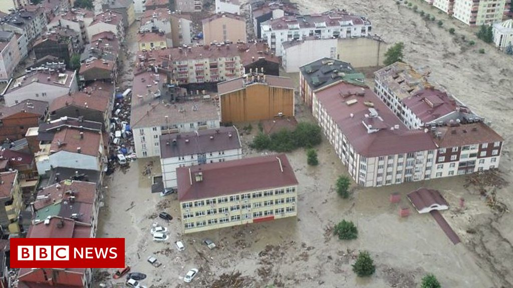 northern-turkey-hit-by-severe-flash-flooding