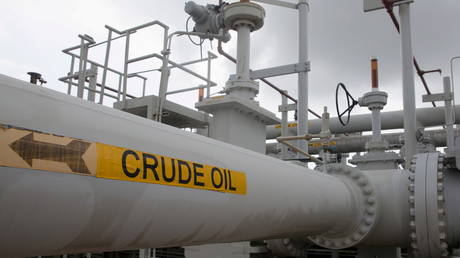 'russia's-oil-machine'-to-hit-record-output-highs-by-summer-2022