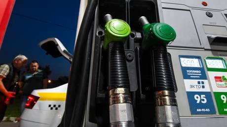 russia-may-ban-petrol-exports-if-domestic-prices-keep-rising-–-former-energy-minister
