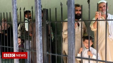 Photo of Afghanistan: Pakistan fences off from Afghan refugees