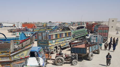 taliban-halts-afghanistan's-trade-with-india-through-pakistan-–-reports
