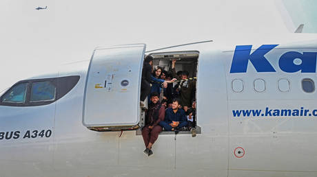 european-aviation-watchdog-says-commercial-flights-over-afghanistan-should-be-suspended