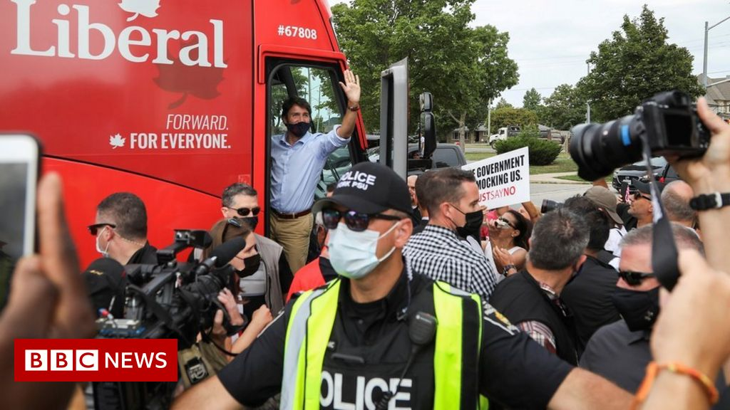 canada-election:-justin-trudeau-rally-cancelled-after-angry-protests