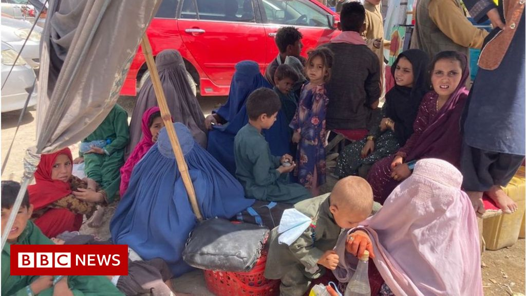 afghanistan:-fleeing-the-taliban-into-pakistan-and-leaving-dreams-behind