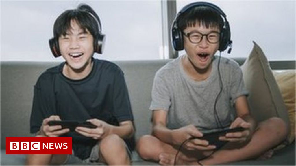 china-cuts-children's-online-gaming-to-one-hour