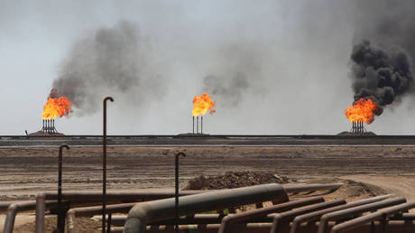 iran-eyes-further-1-million-bpd-output-boost-from-huge-oilfields
