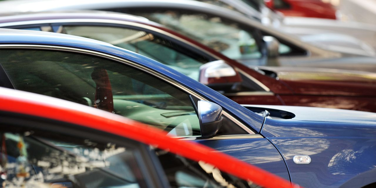 new-car-sales-were-dreadful-why-car-stocks-win-either-way.