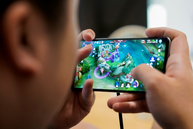 china's-esports-powerhouse-status-undermined-by-tough-new-gaming-rules-for-under-18s