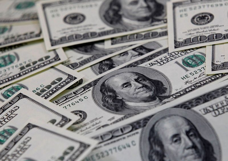 dollar-hits-two-week-high-as-fed-tapering-expectations-grow
